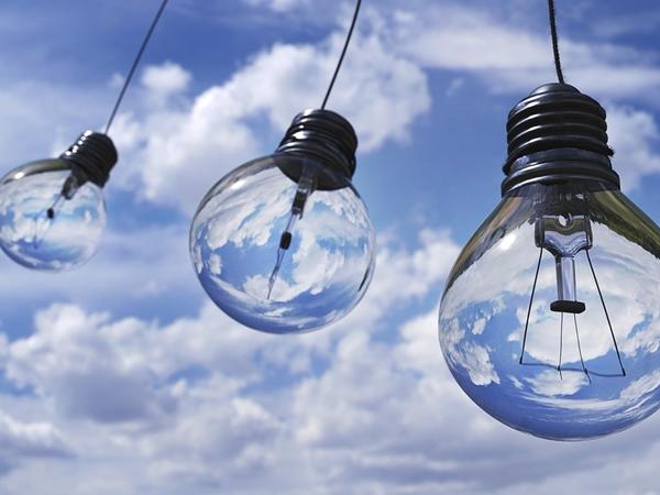 Consejos para el ahorro de luz en empresas